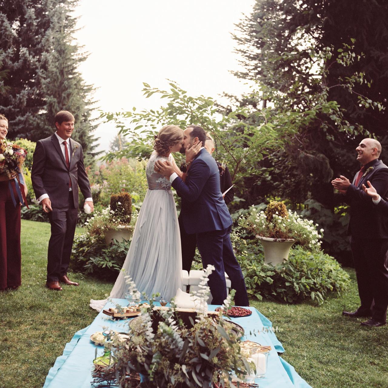 mt-hood-organic-farms-film-wedding-18.jpg