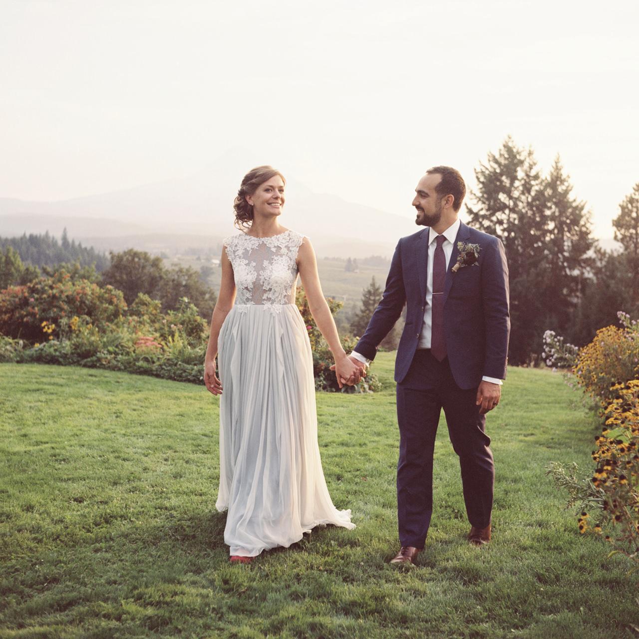 mt-hood-organic-farms-film-wedding-20a.jpg