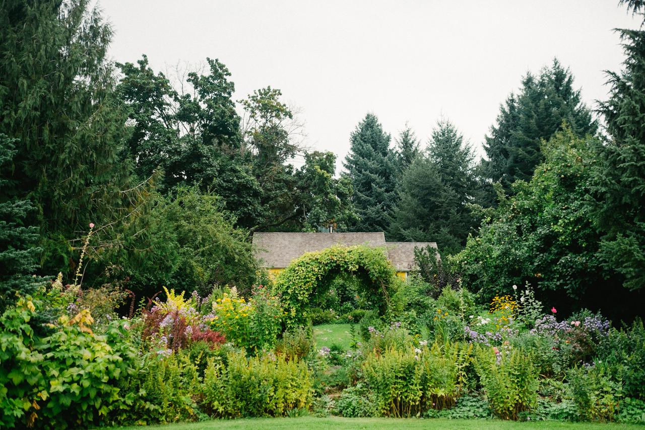 mt-hood-organic-farms-persian-wedding-009.jpg