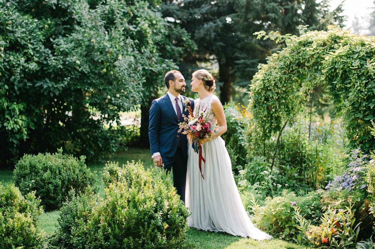 mt-hood-organic-farms-persian-wedding-037.jpg