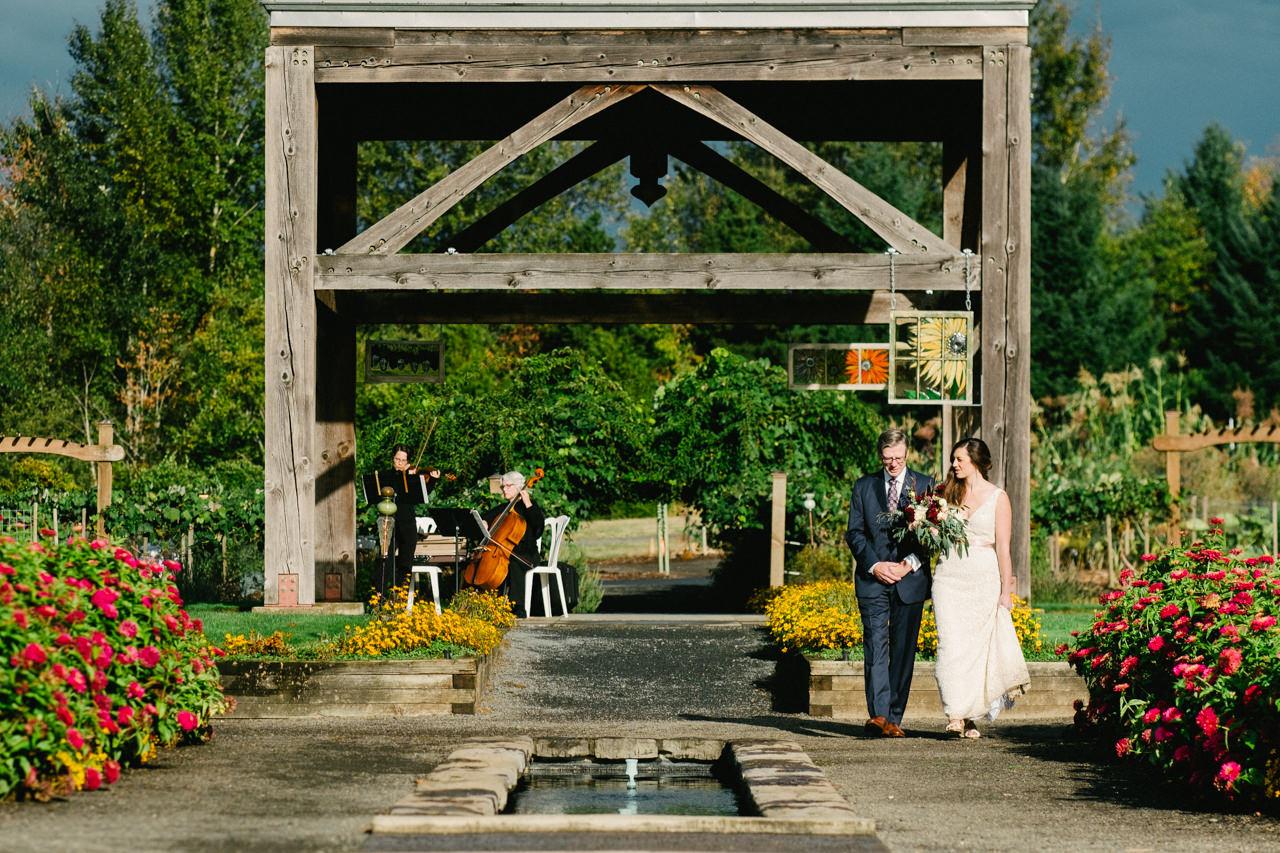 oregon-garden-resort-wedding-049.jpg