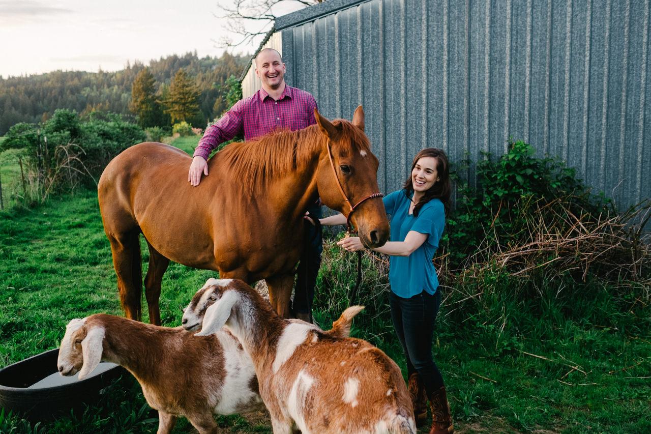 portland-farm-engagement-photos-036.jpg
