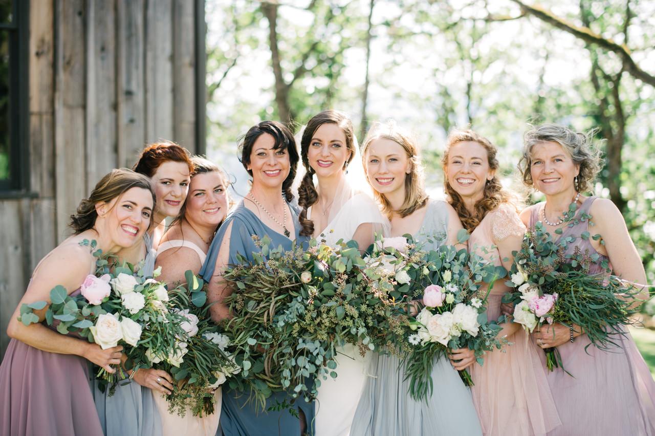 white-salmon-washington-gorge-wedding-040.jpg