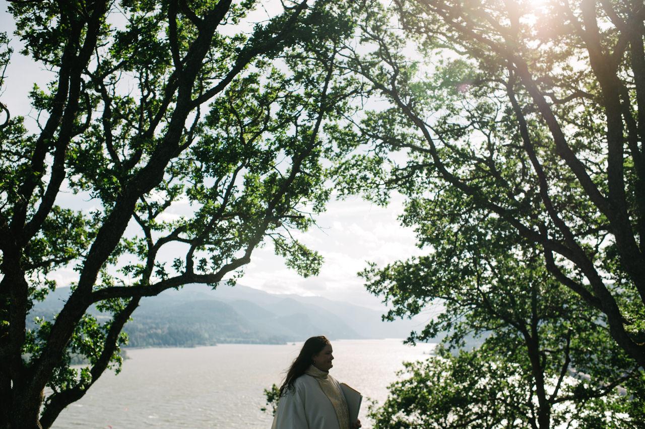 white-salmon-washington-gorge-wedding-047.jpg