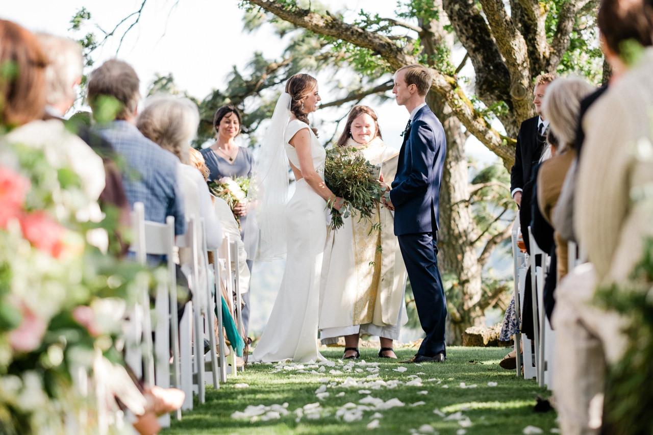 white-salmon-washington-gorge-wedding-051.jpg