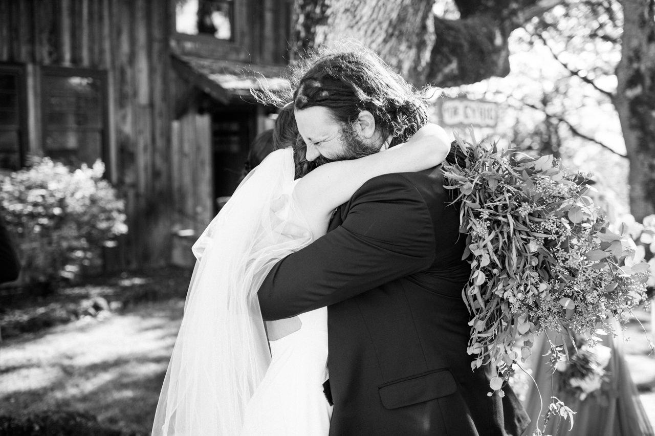 white-salmon-washington-gorge-wedding-063.jpg