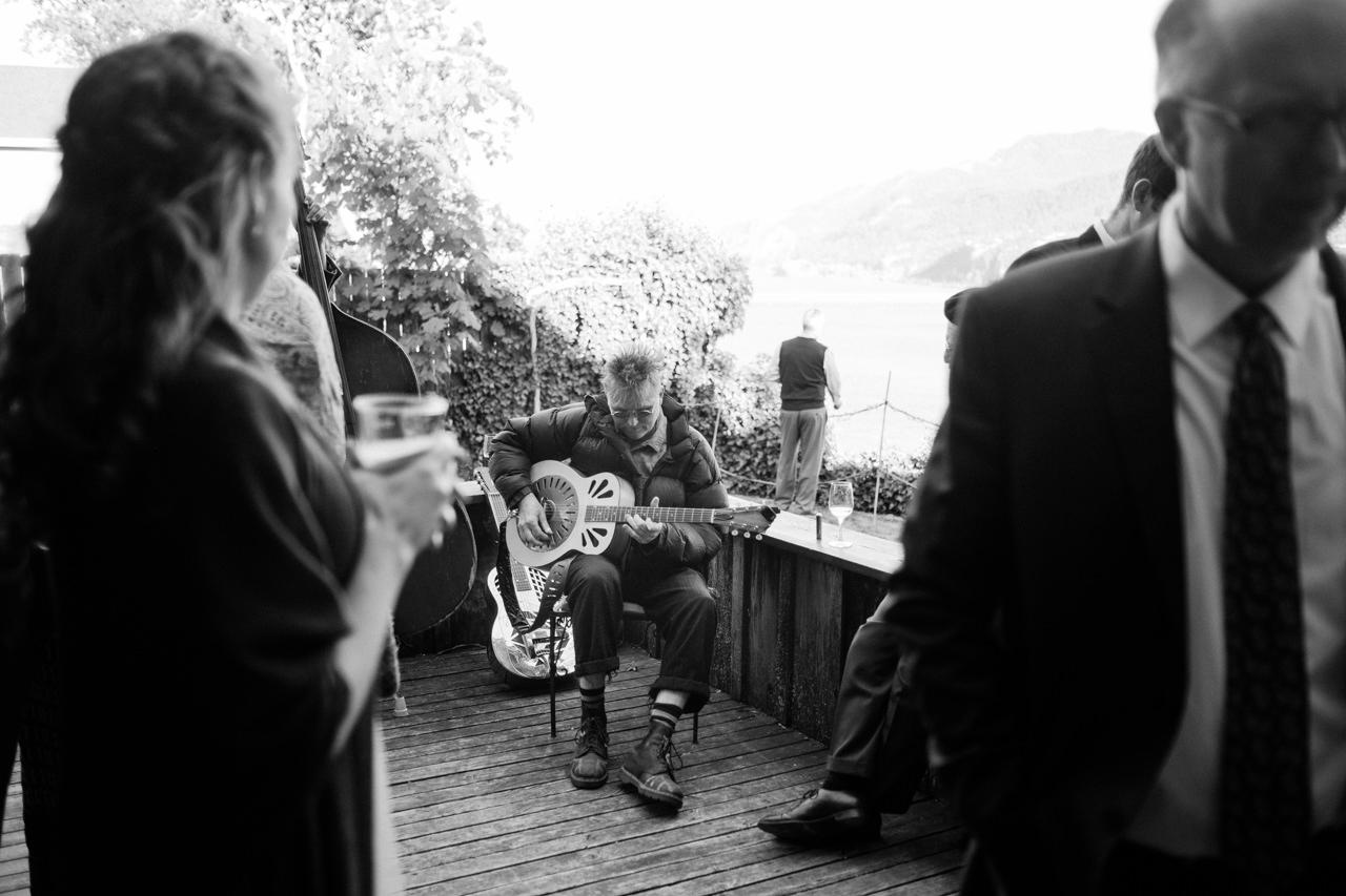 white-salmon-washington-gorge-wedding-074.jpg