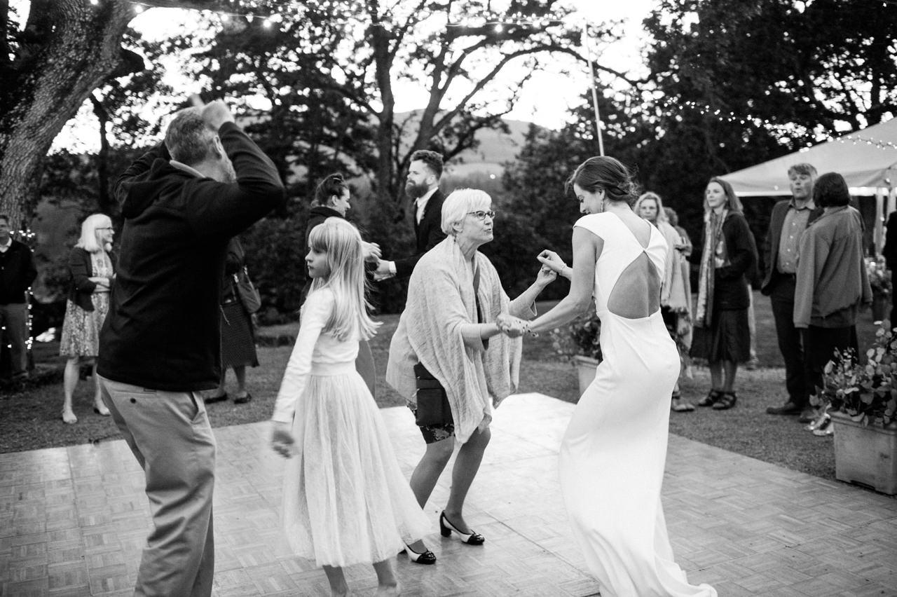 white-salmon-washington-gorge-wedding-121.jpg
