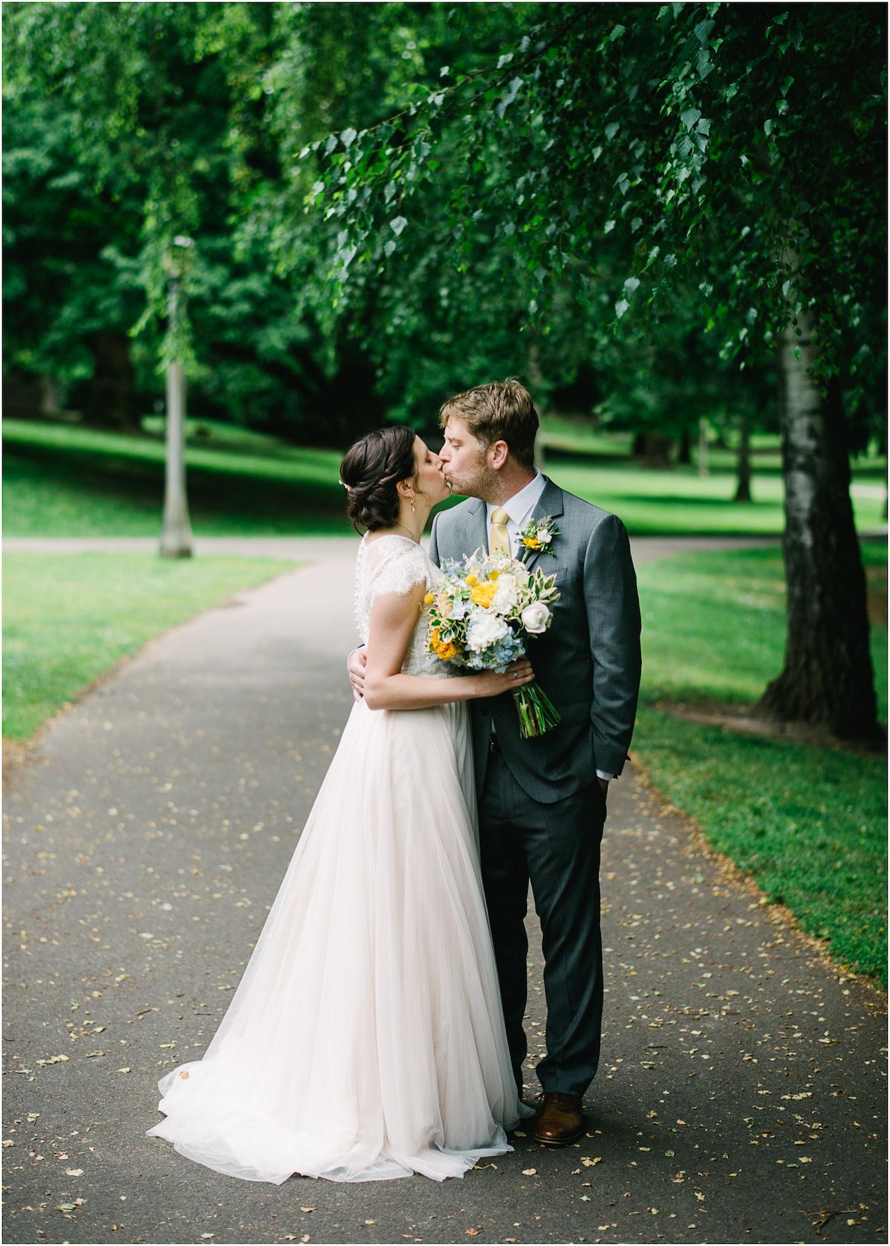 laurelhurst-club-portland-wedding-021.jpg