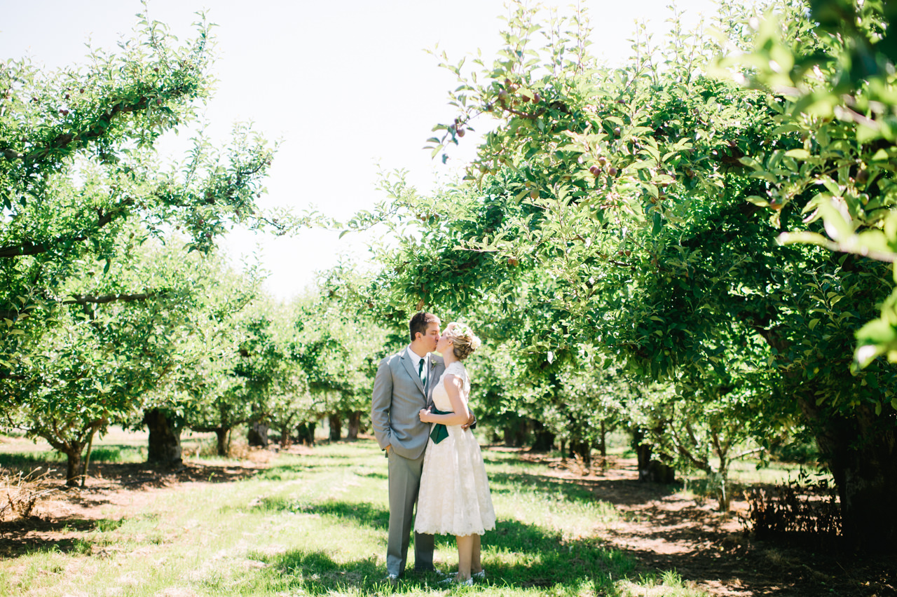 mt-view-orchards-oregon-wedding-037.jpg