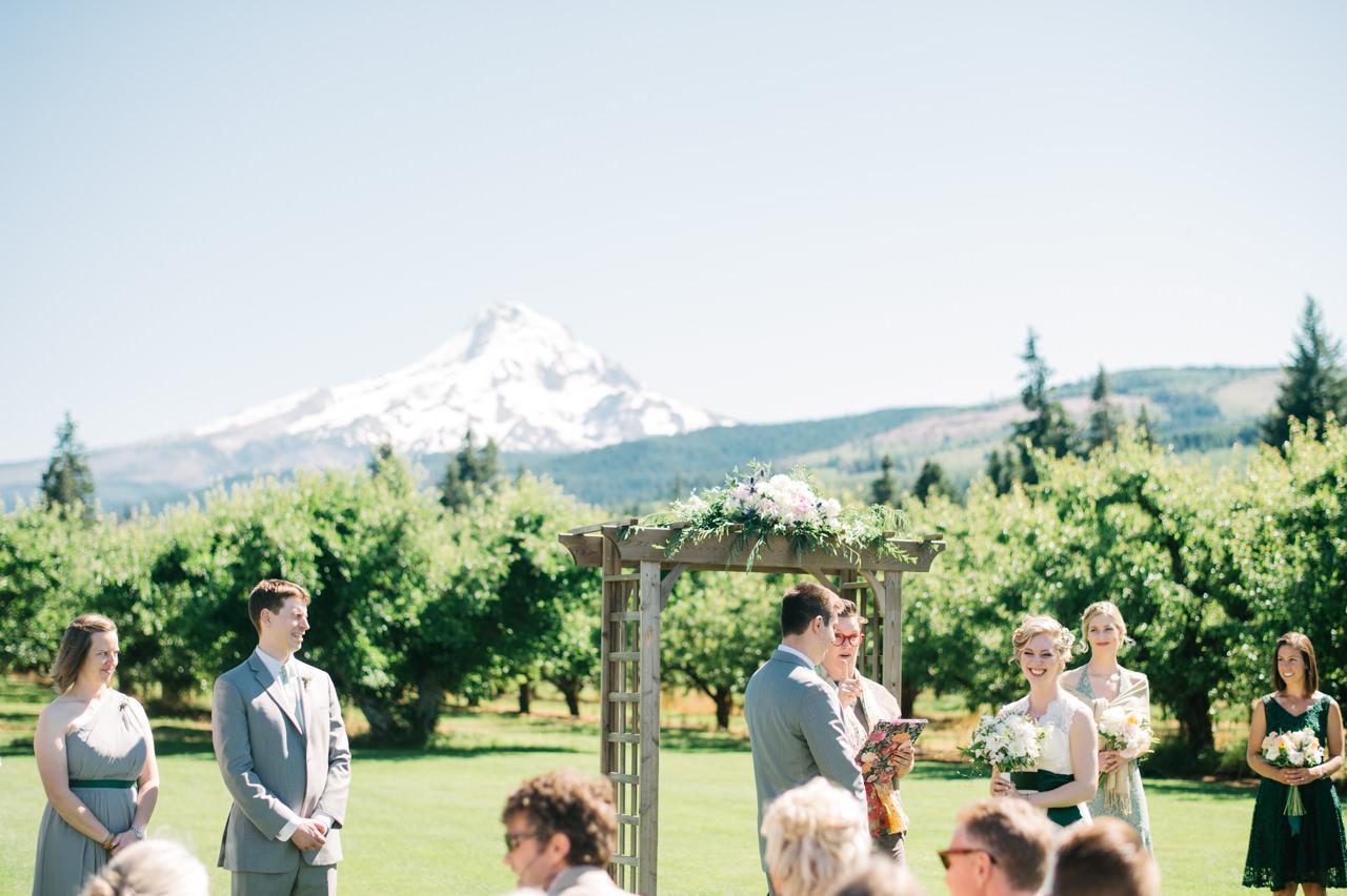 mt-view-orchards-oregon-wedding-049.jpg