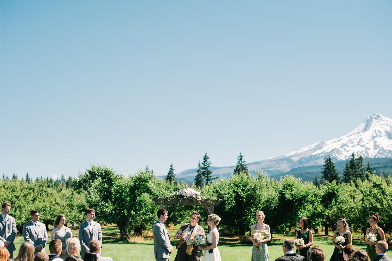 mt-view-orchards-oregon-wedding-056b.jpg