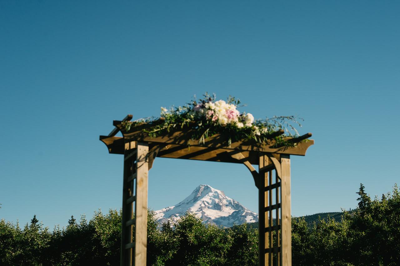 mt-view-orchards-oregon-wedding-086.jpg