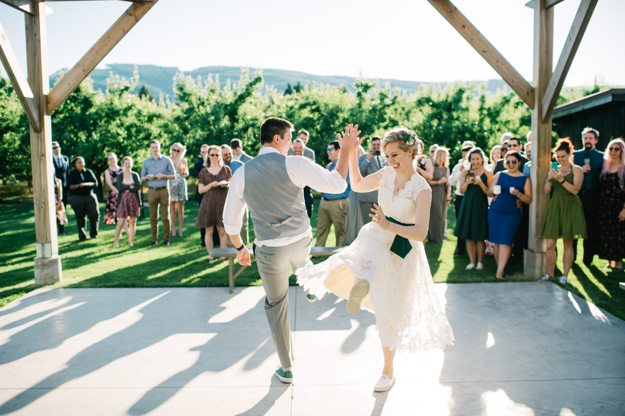 mt-view-orchards-oregon-wedding-091.jpg