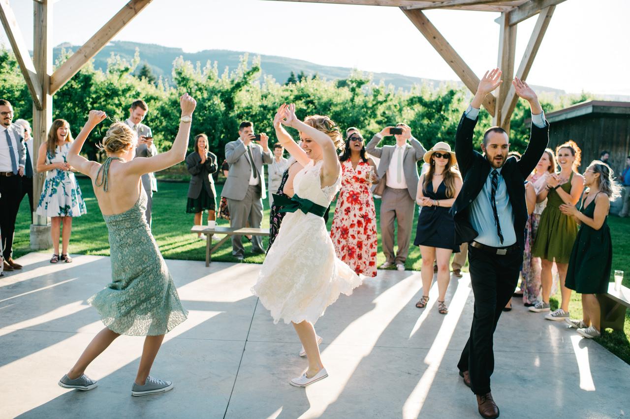 mt-view-orchards-oregon-wedding-105.jpg