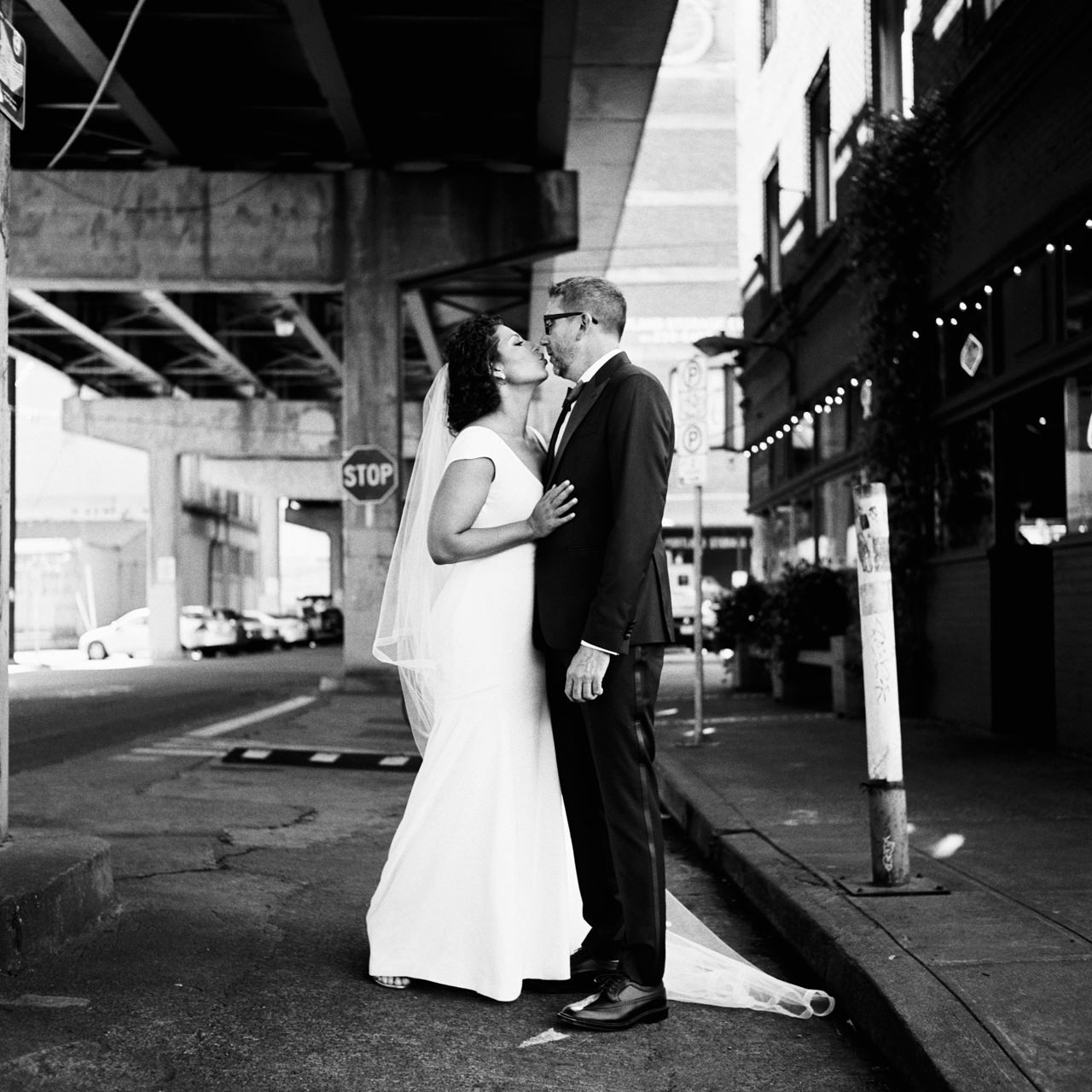 coopers-hall-portland-oregon-wedding-044aa.jpg