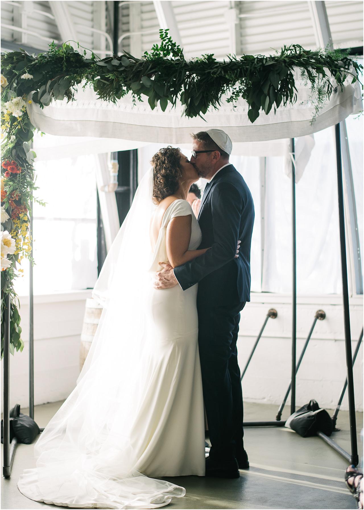 coopers-hall-portland-oregon-wedding-077a.jpg