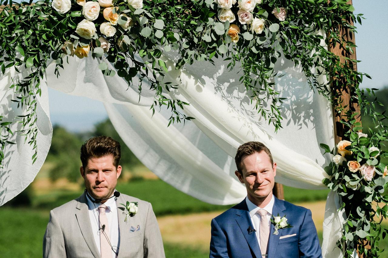 zenith-vineyards-salem-oregon-wedding-049.jpg