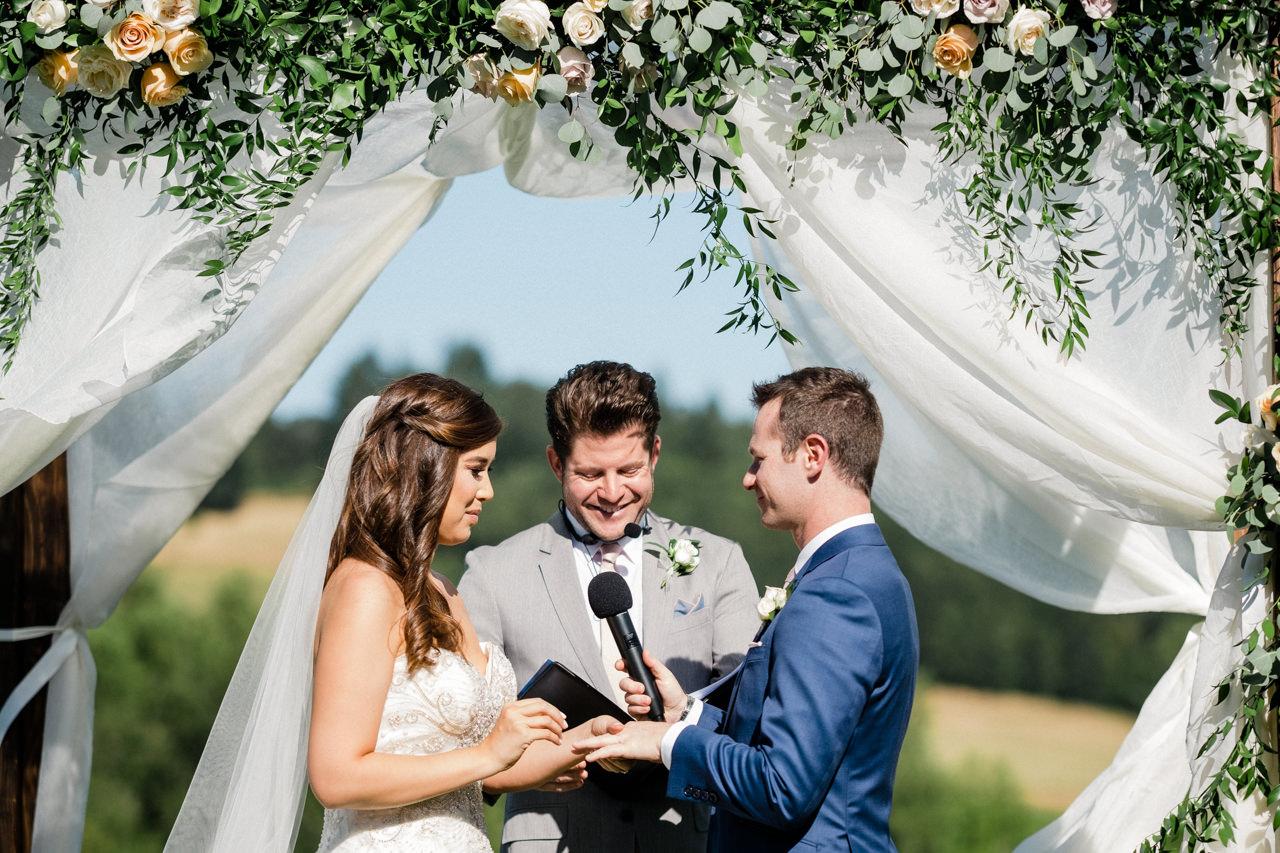 zenith-vineyards-salem-oregon-wedding-058.jpg