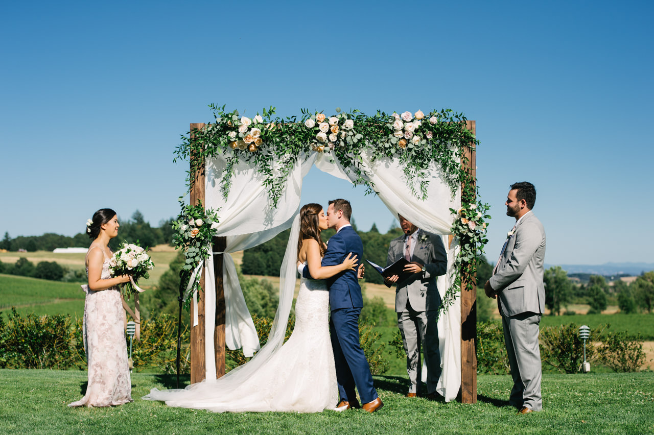 zenith-vineyards-salem-oregon-wedding-059.jpg