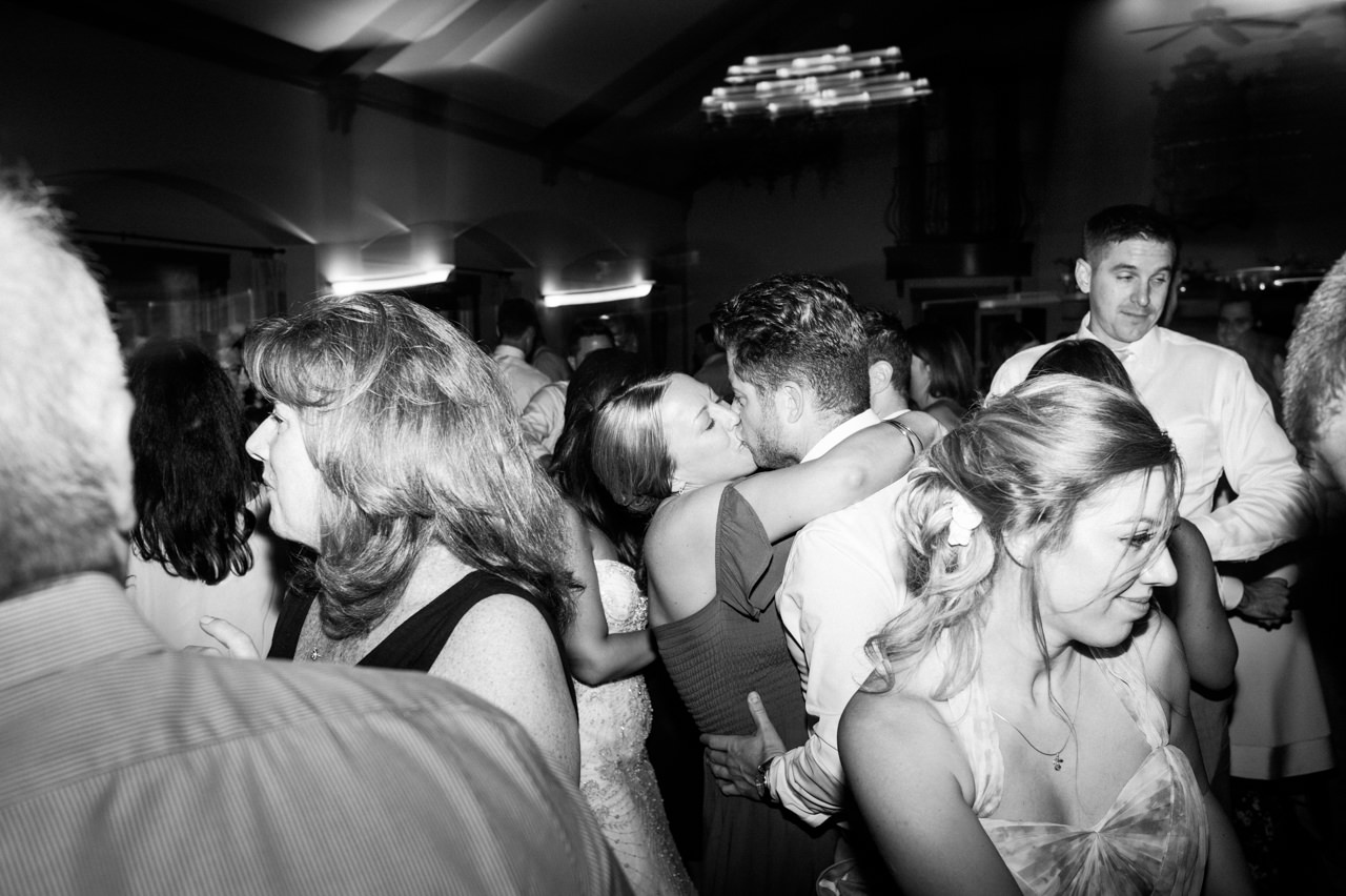 zenith-vineyards-salem-oregon-wedding-099.jpg