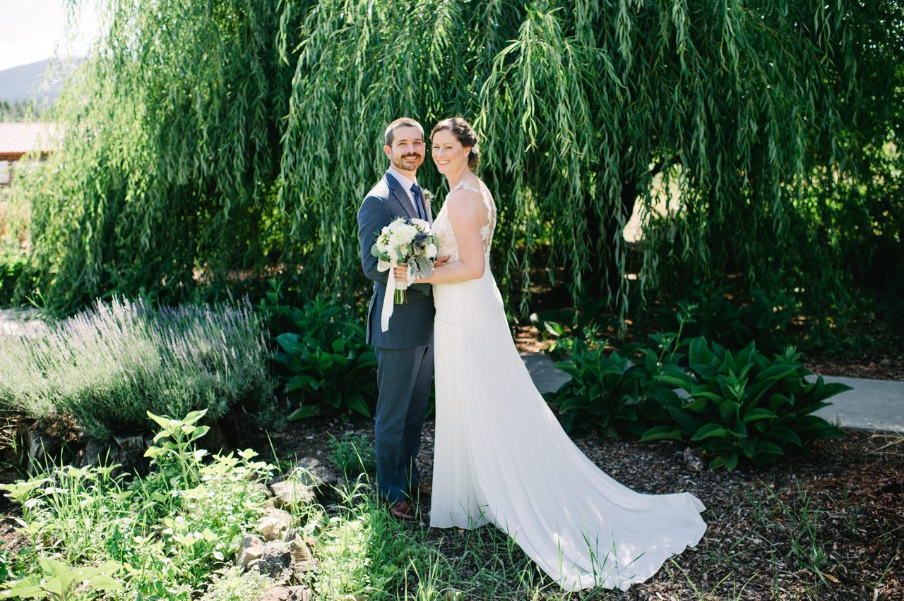 trout-lake-abbey-washington-wedding-038.jpg
