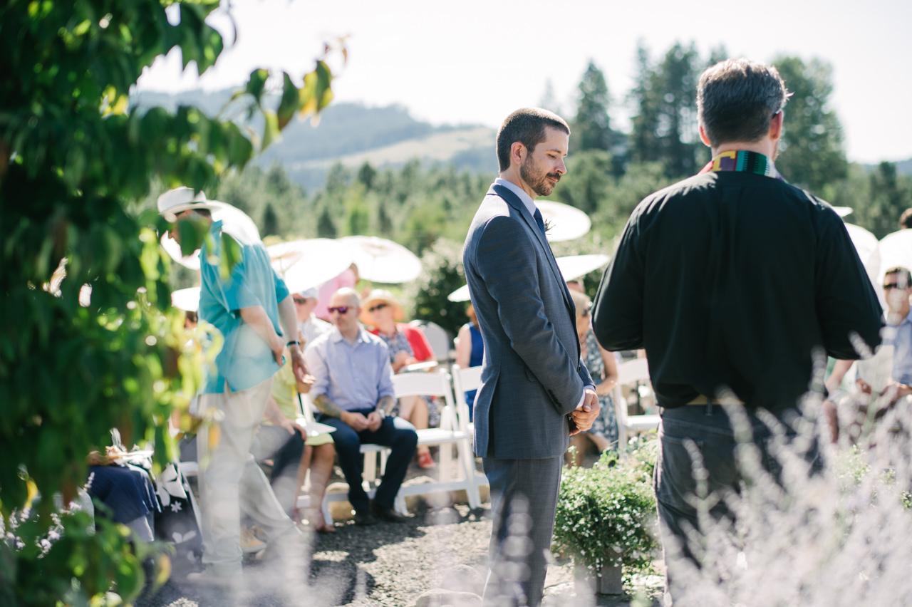 trout-lake-abbey-washington-wedding-045.jpg
