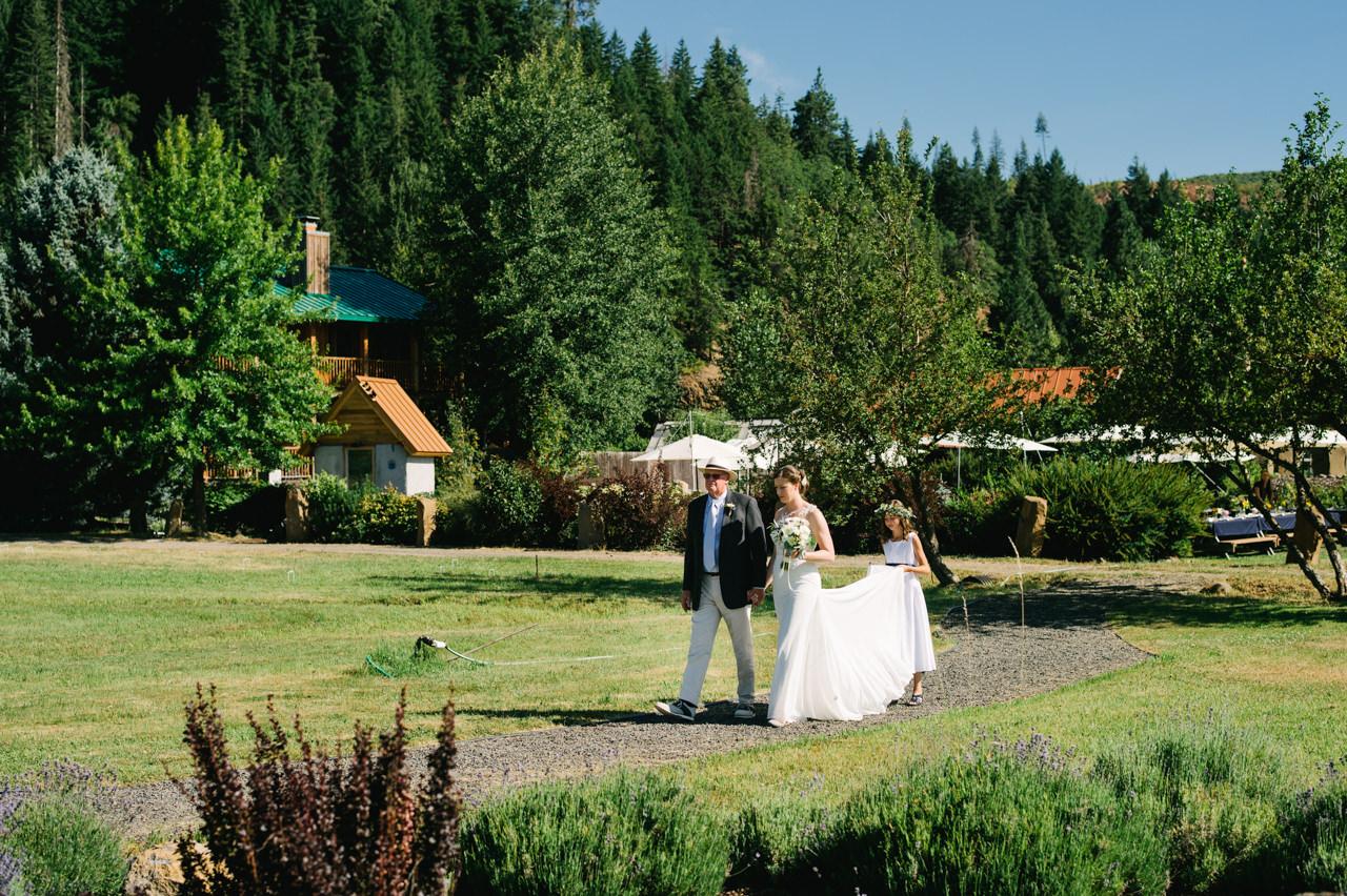 trout-lake-abbey-washington-wedding-046.jpg