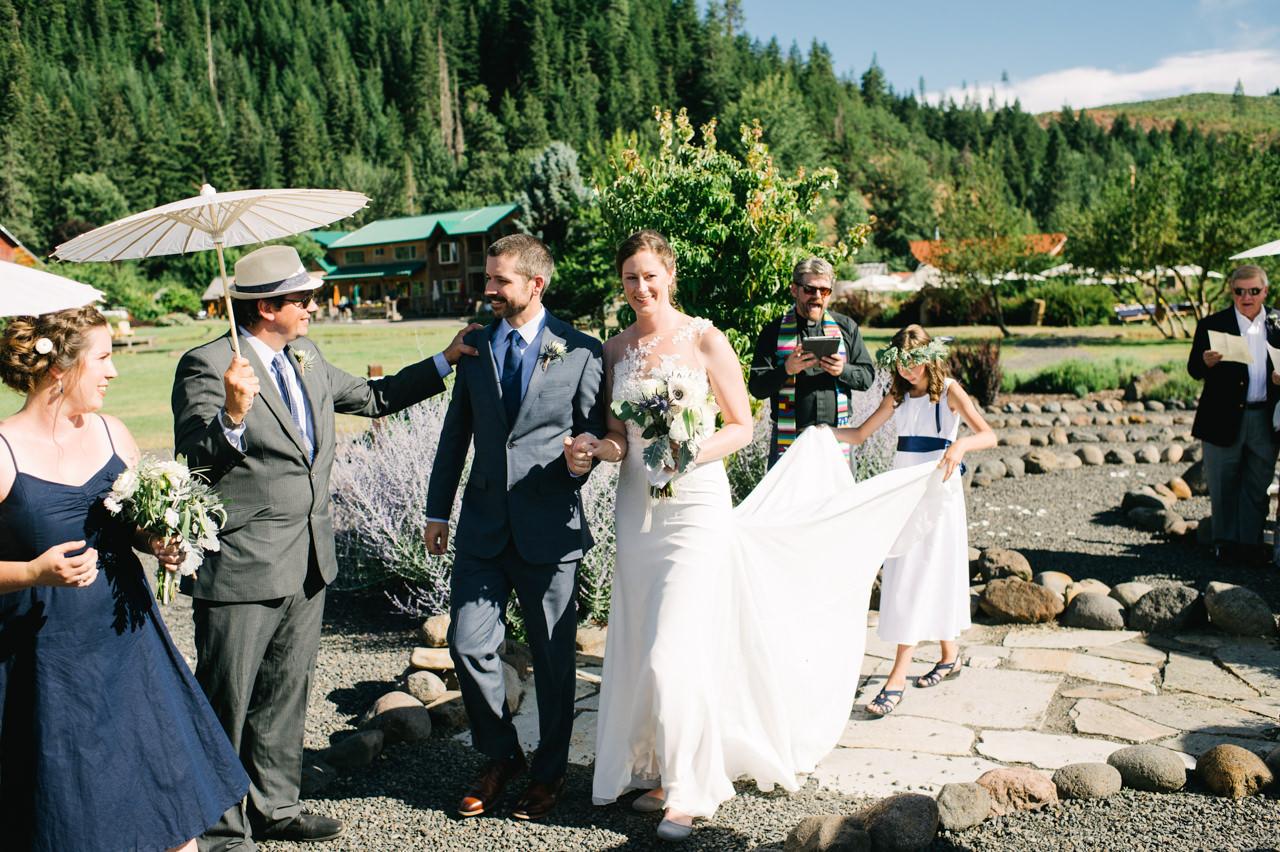 trout-lake-abbey-washington-wedding-069.jpg