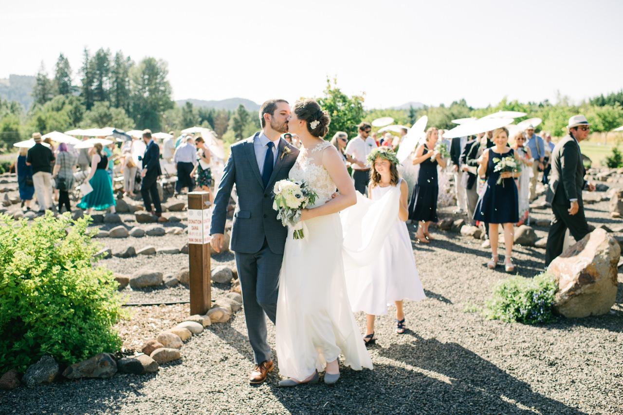 trout-lake-abbey-washington-wedding-079.jpg