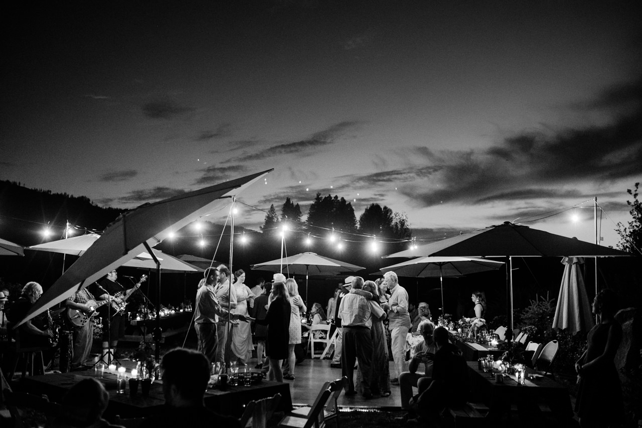 trout-lake-abbey-washington-wedding-142.jpg
