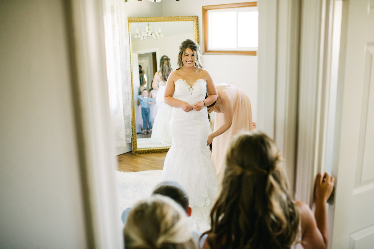 tin-roof-barn-washington-wedding-036.jpg