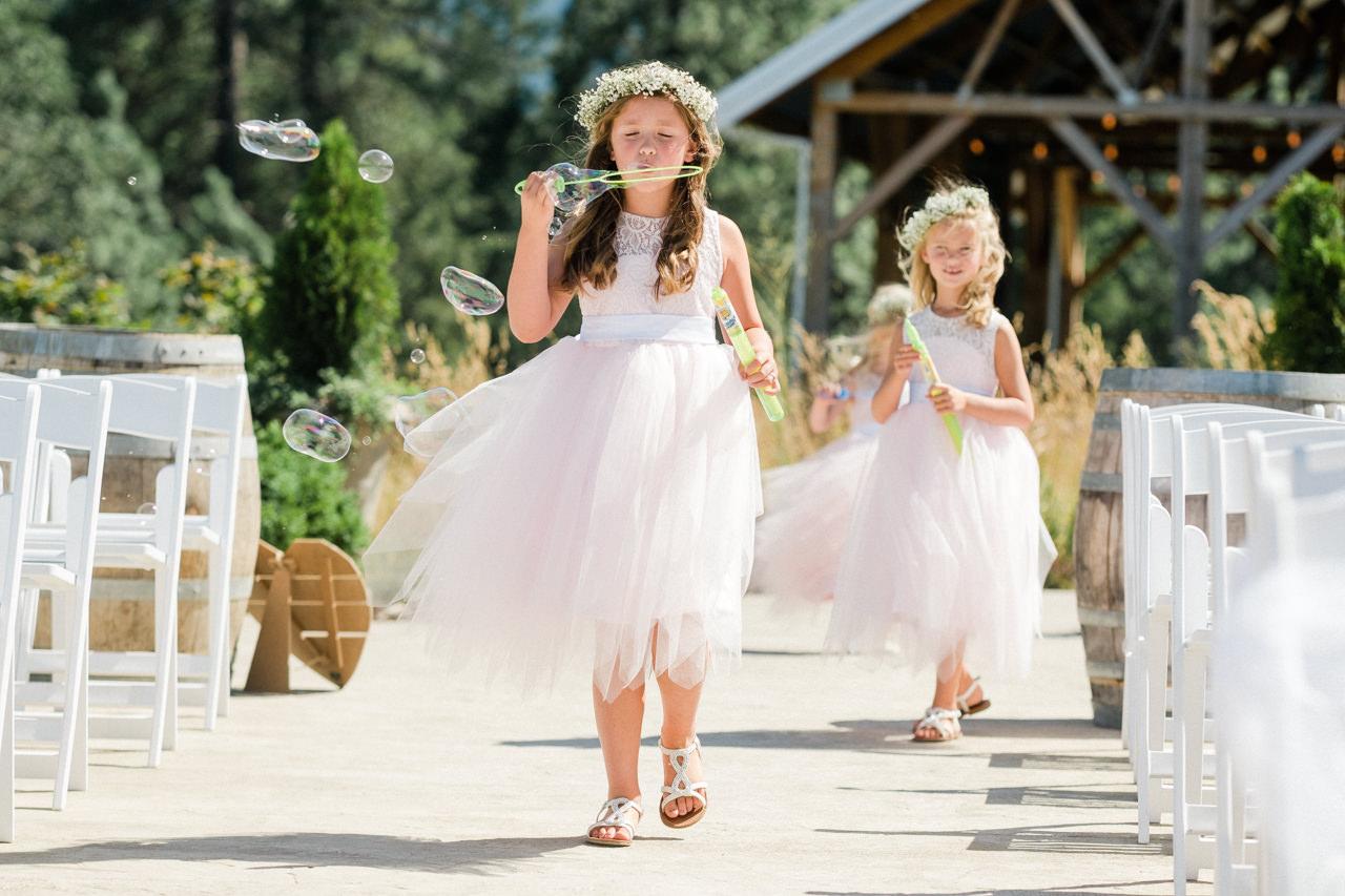 tin-roof-barn-washington-wedding-050.jpg