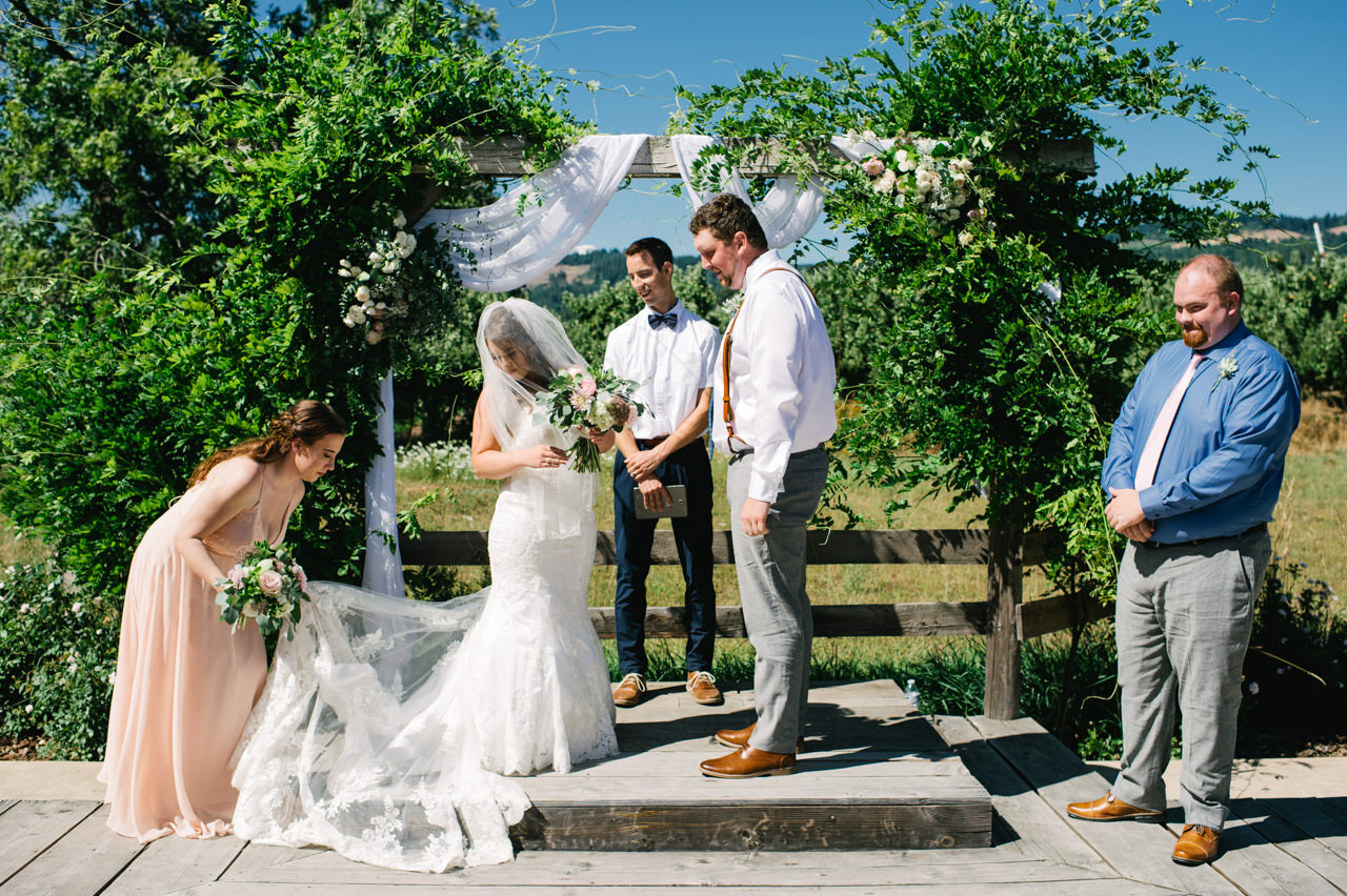tin-roof-barn-washington-wedding-053.jpg