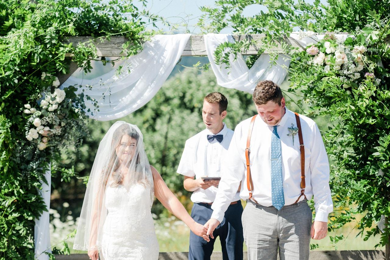 tin-roof-barn-washington-wedding-055.jpg