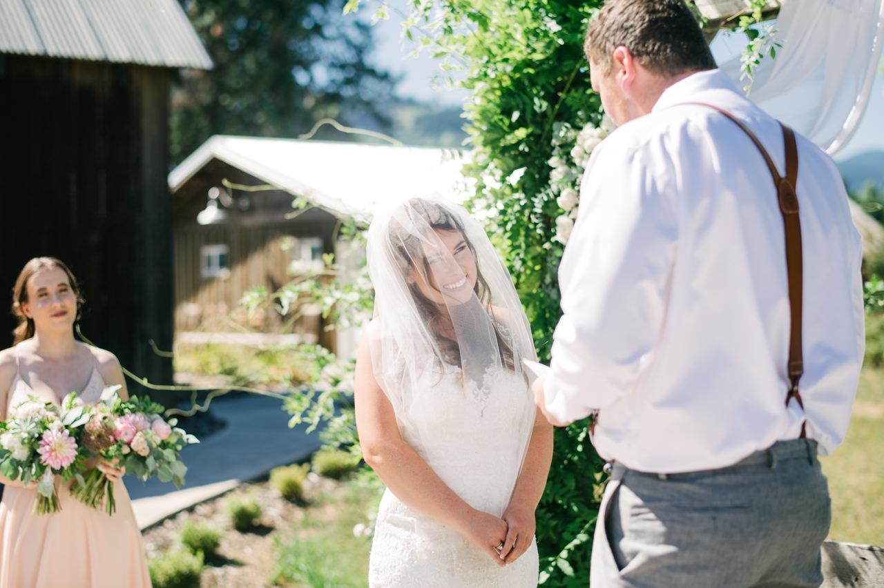 tin-roof-barn-washington-wedding-058.jpg