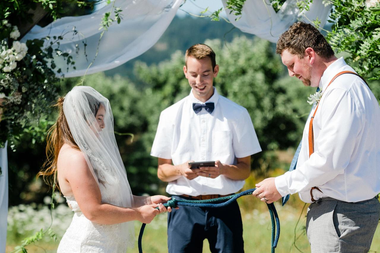 tin-roof-barn-washington-wedding-060.jpg