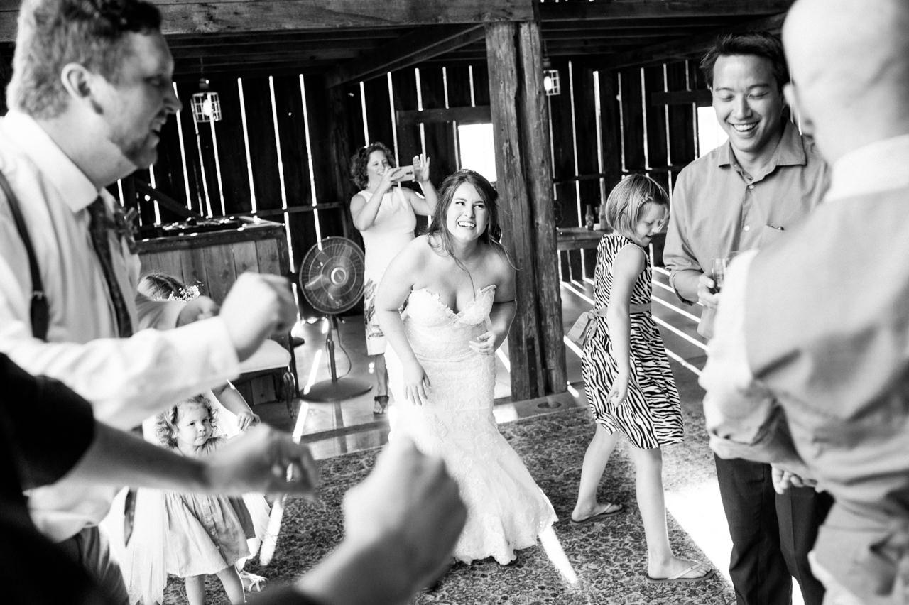 tin-roof-barn-washington-wedding-093.jpg