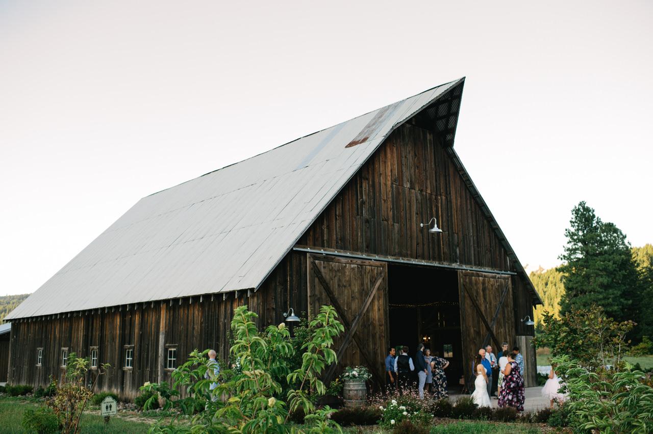 tin-roof-barn-washington-wedding-102.jpg