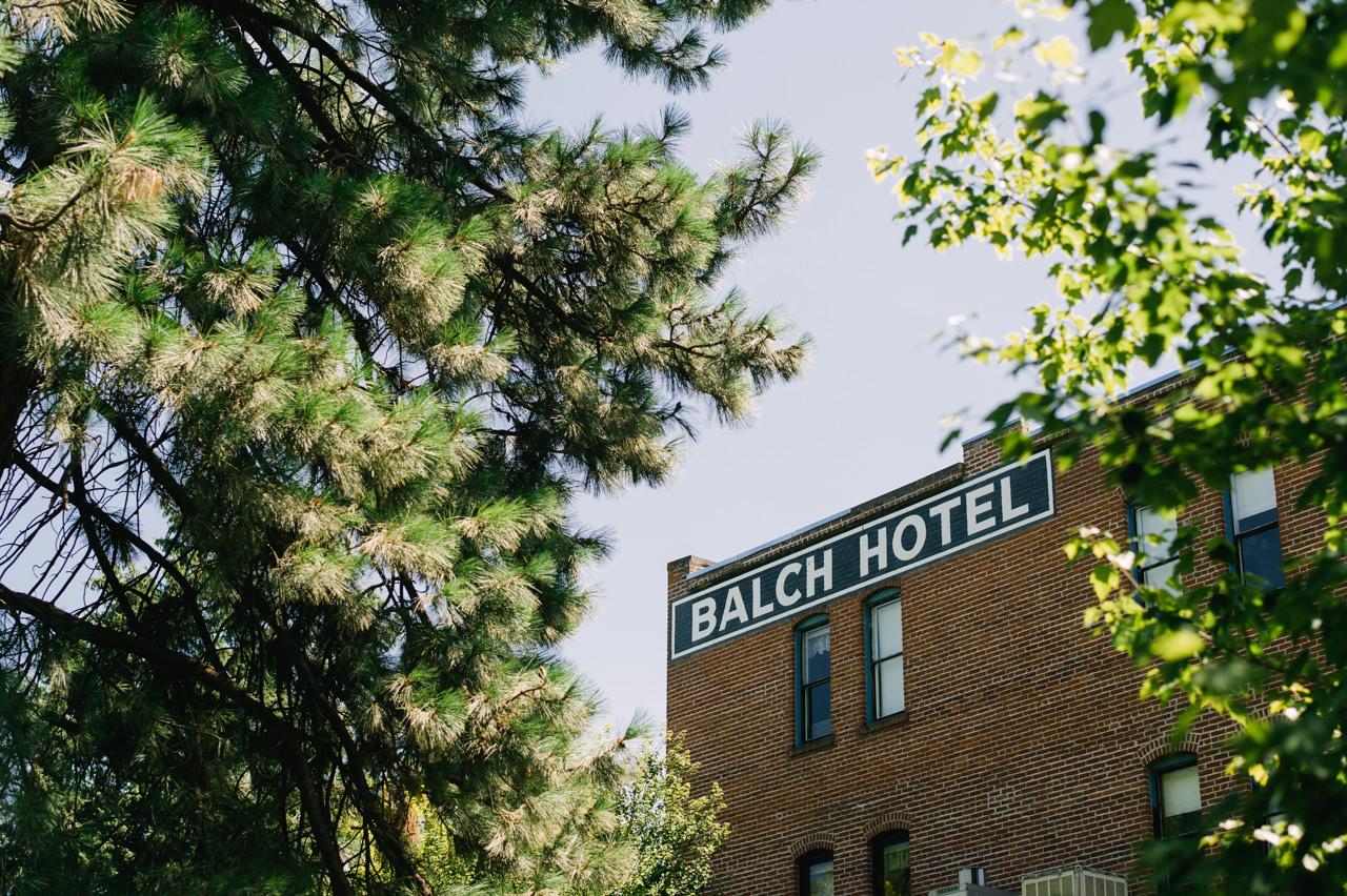 balch-hotel-dufur-oregon-wedding-015.jpg