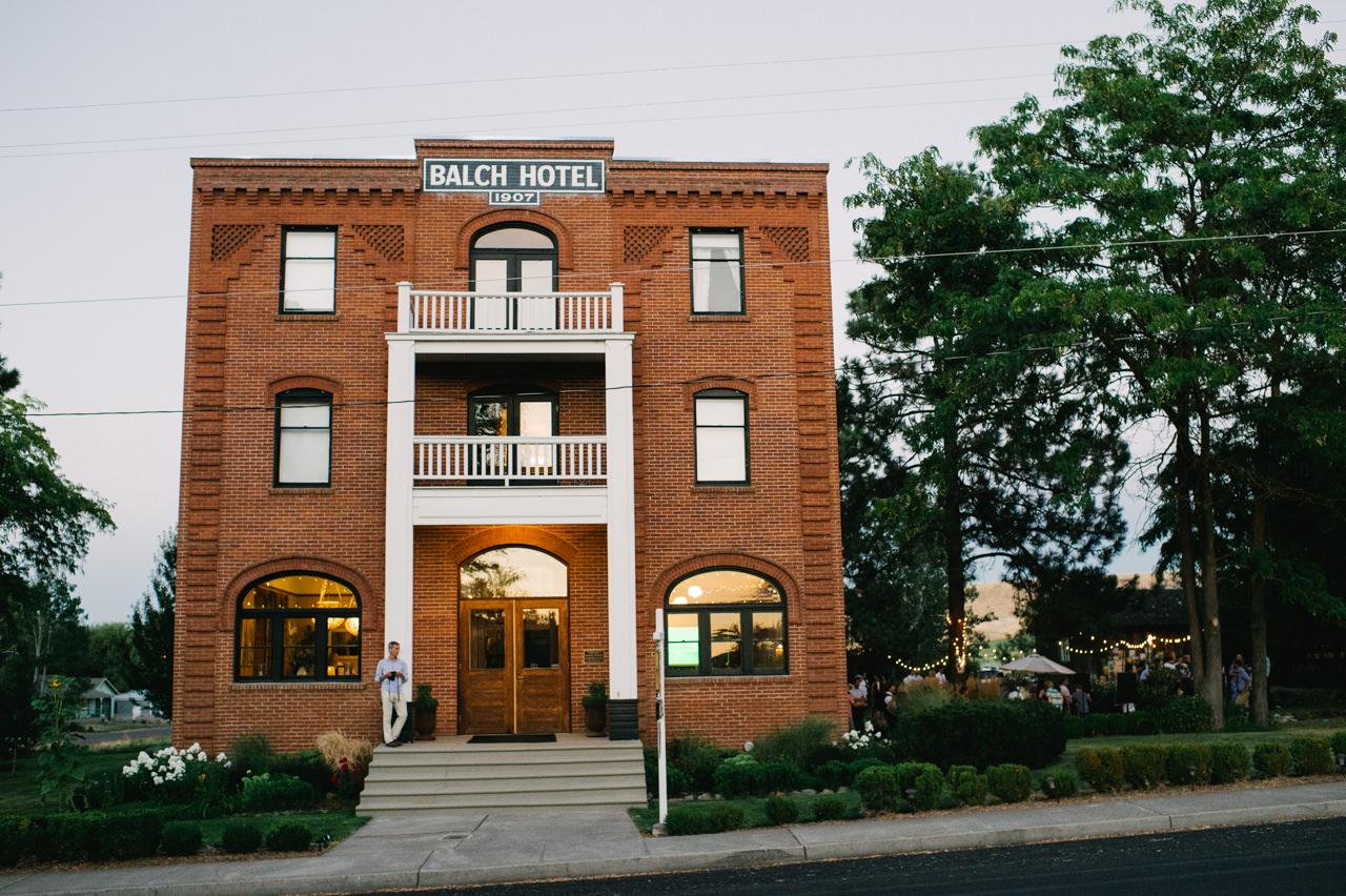 balch-hotel-dufur-oregon-wedding-098.jpg