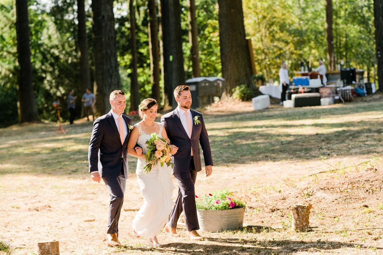 portland-farm-backyard-wedding-048.jpg