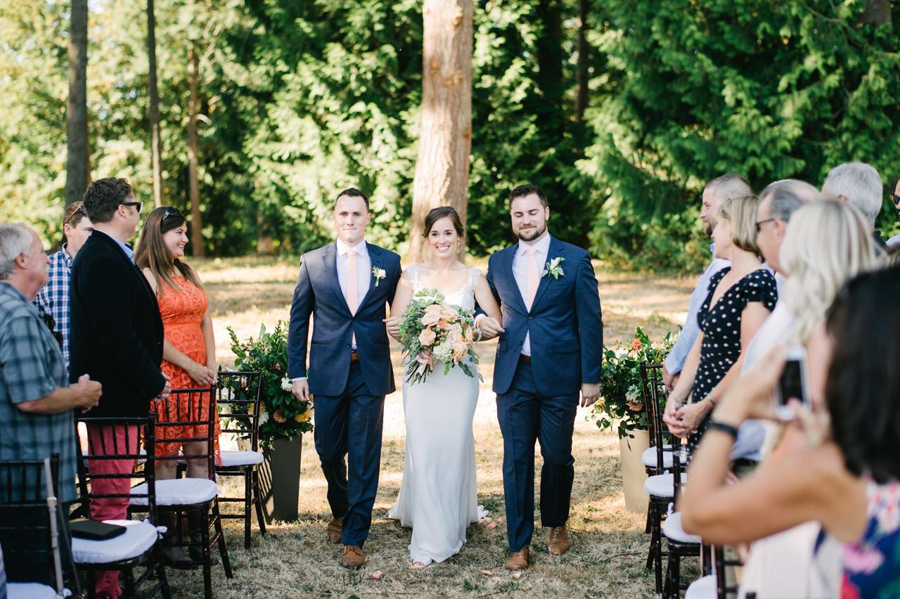portland-farm-backyard-wedding-049.jpg