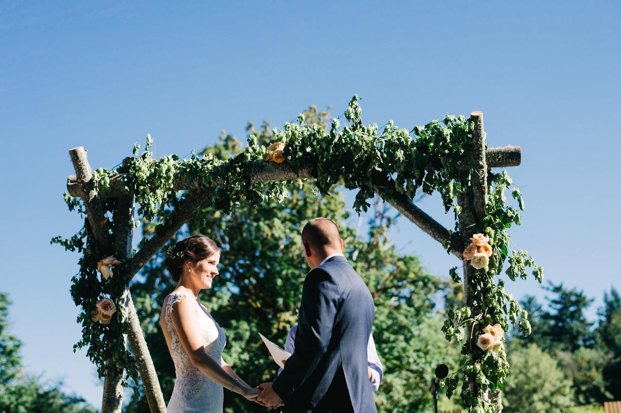 portland-farm-backyard-wedding-055.jpg