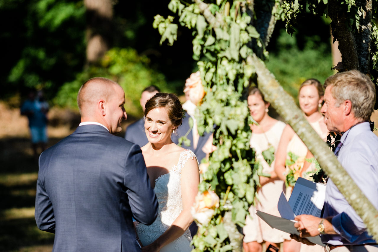 portland-farm-backyard-wedding-058.jpg