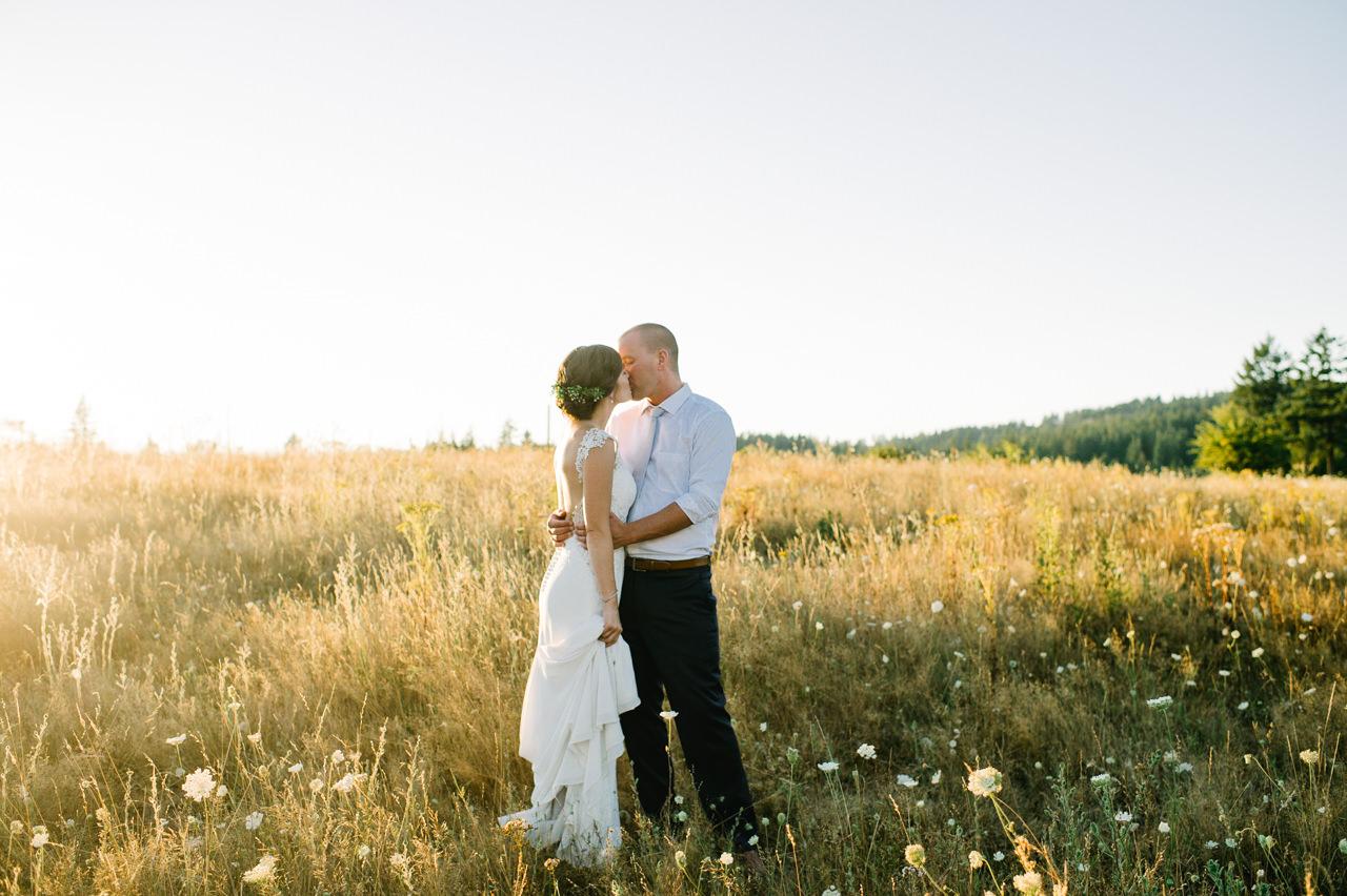portland-farm-backyard-wedding-078.jpg