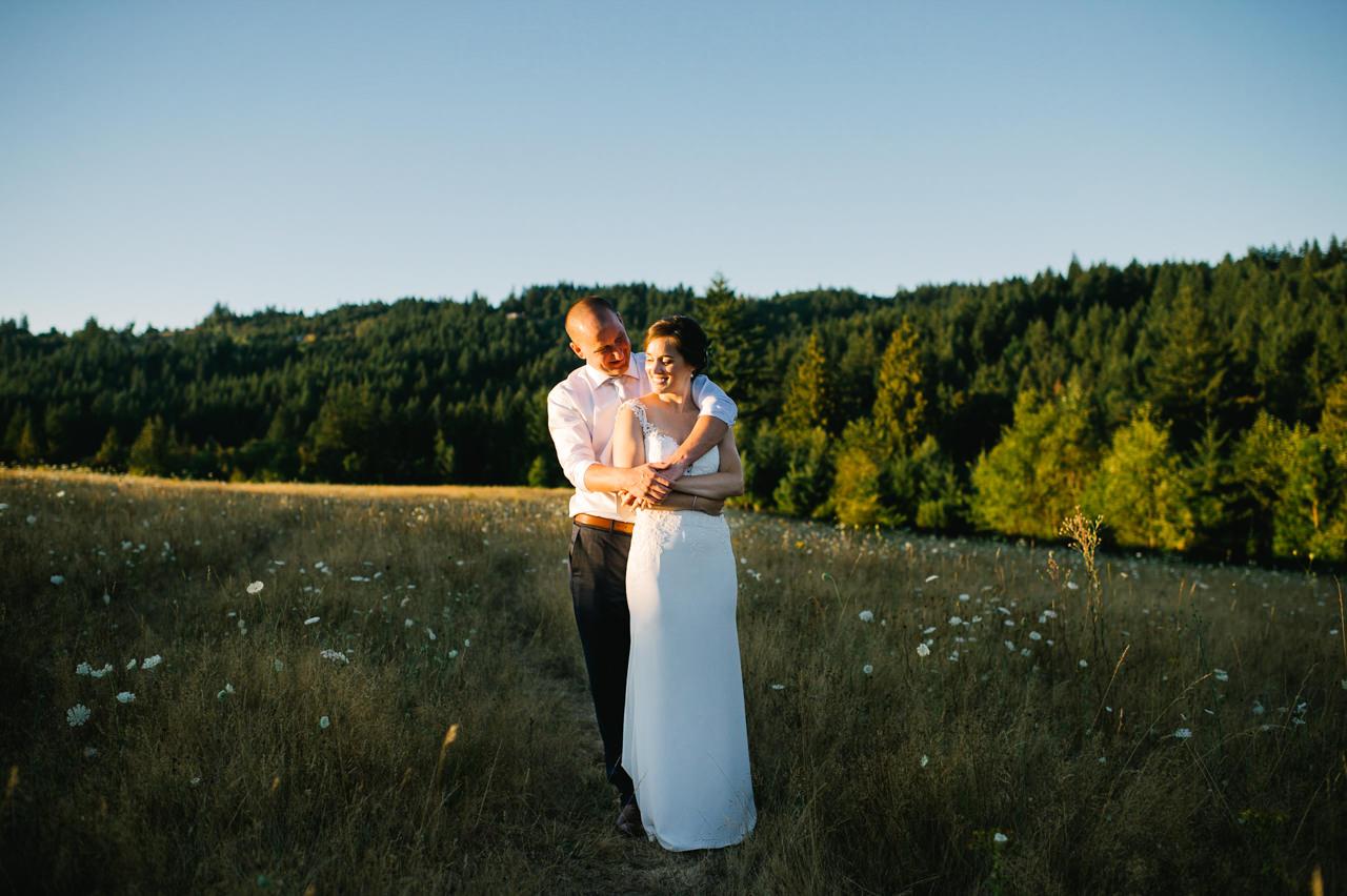 portland-farm-backyard-wedding-082.jpg