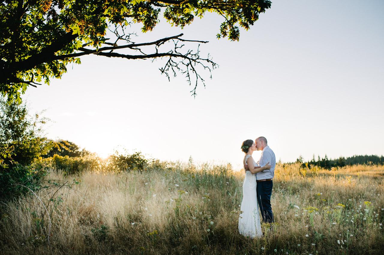 portland-farm-backyard-wedding-084.jpg
