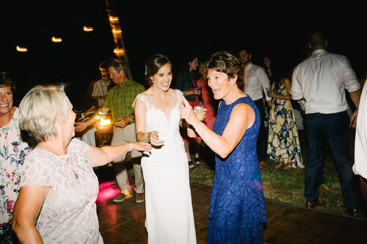 portland-farm-backyard-wedding-102.jpg