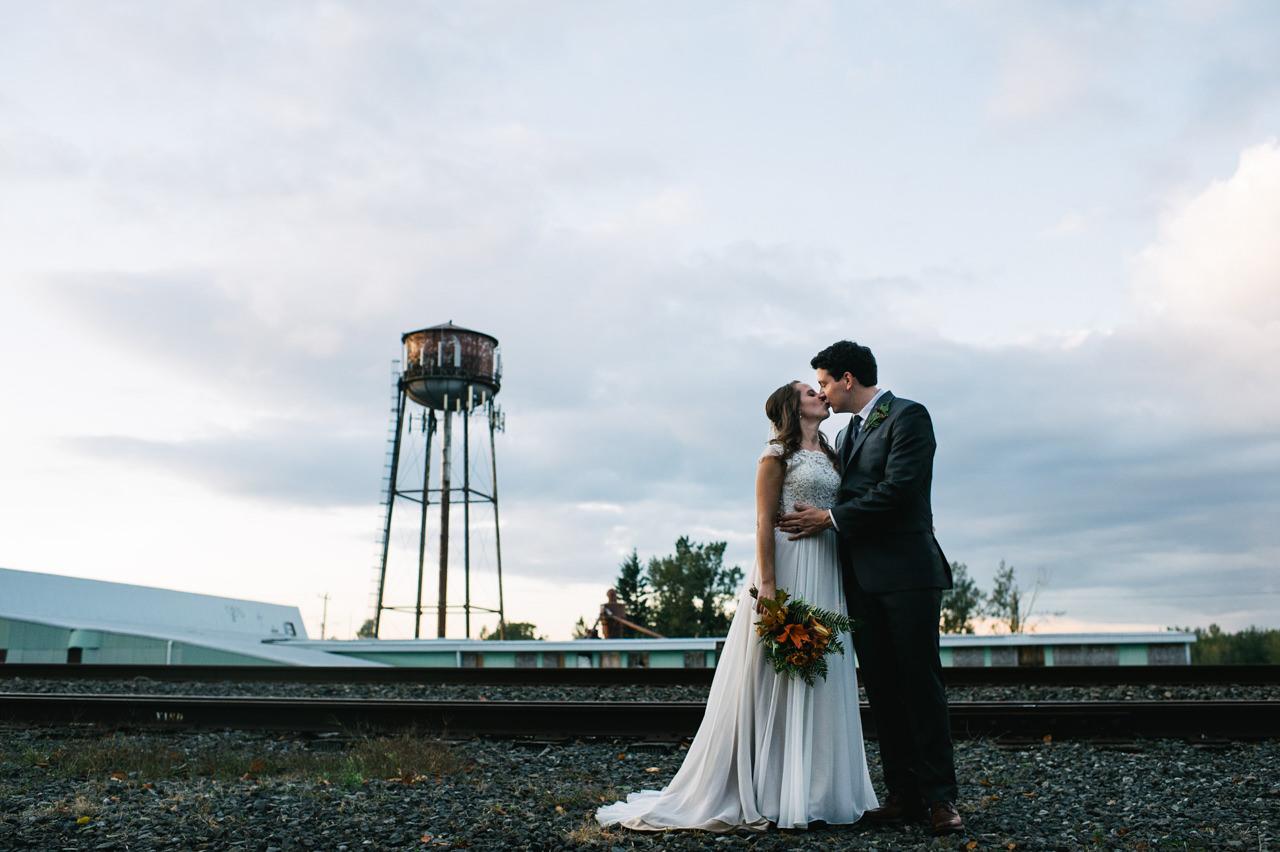 portland-troutdale-house-wedding-114.jpg